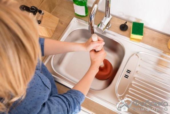 Как устранить засор с помощью стирального порошка